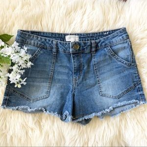 Jolt Size 11 Light Wash Frayed Hem Denim Shorts